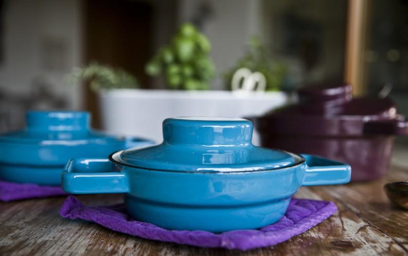 porcelain-enamel-cookware-dishesonly