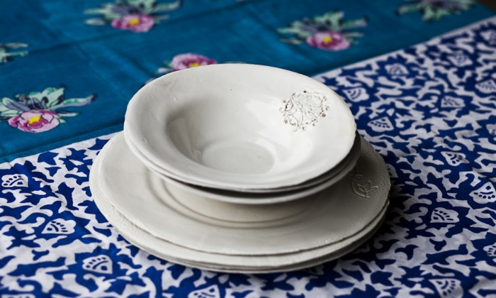 shabby chic dinner set with engravings