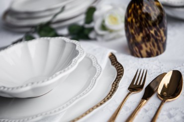 4 Tips to Choose a Dinner Set for Your Wedding Registry