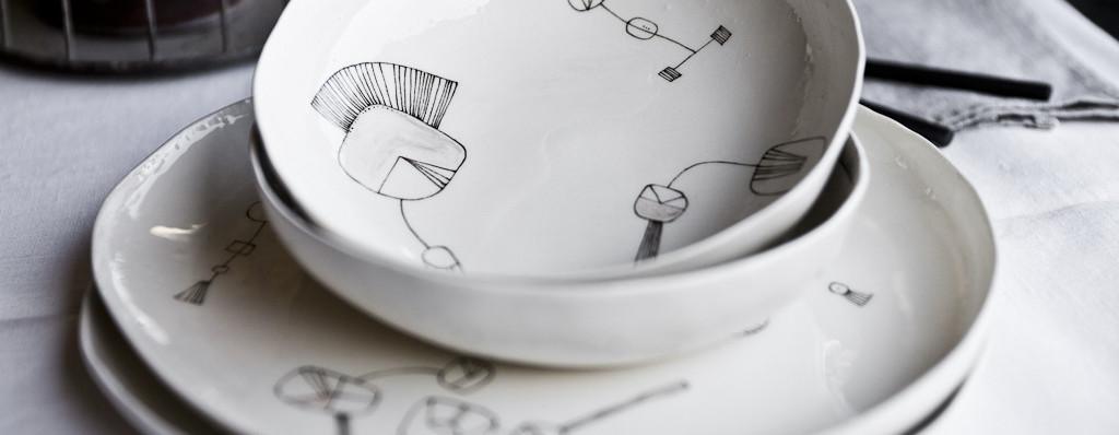 Set di piatti moderni tovaglioli di carta - Servizio piatti quadrati ikea ...