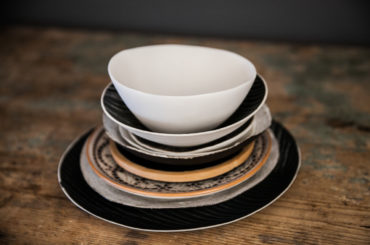 How to restyle your tableware at no cost for the upcoming season
