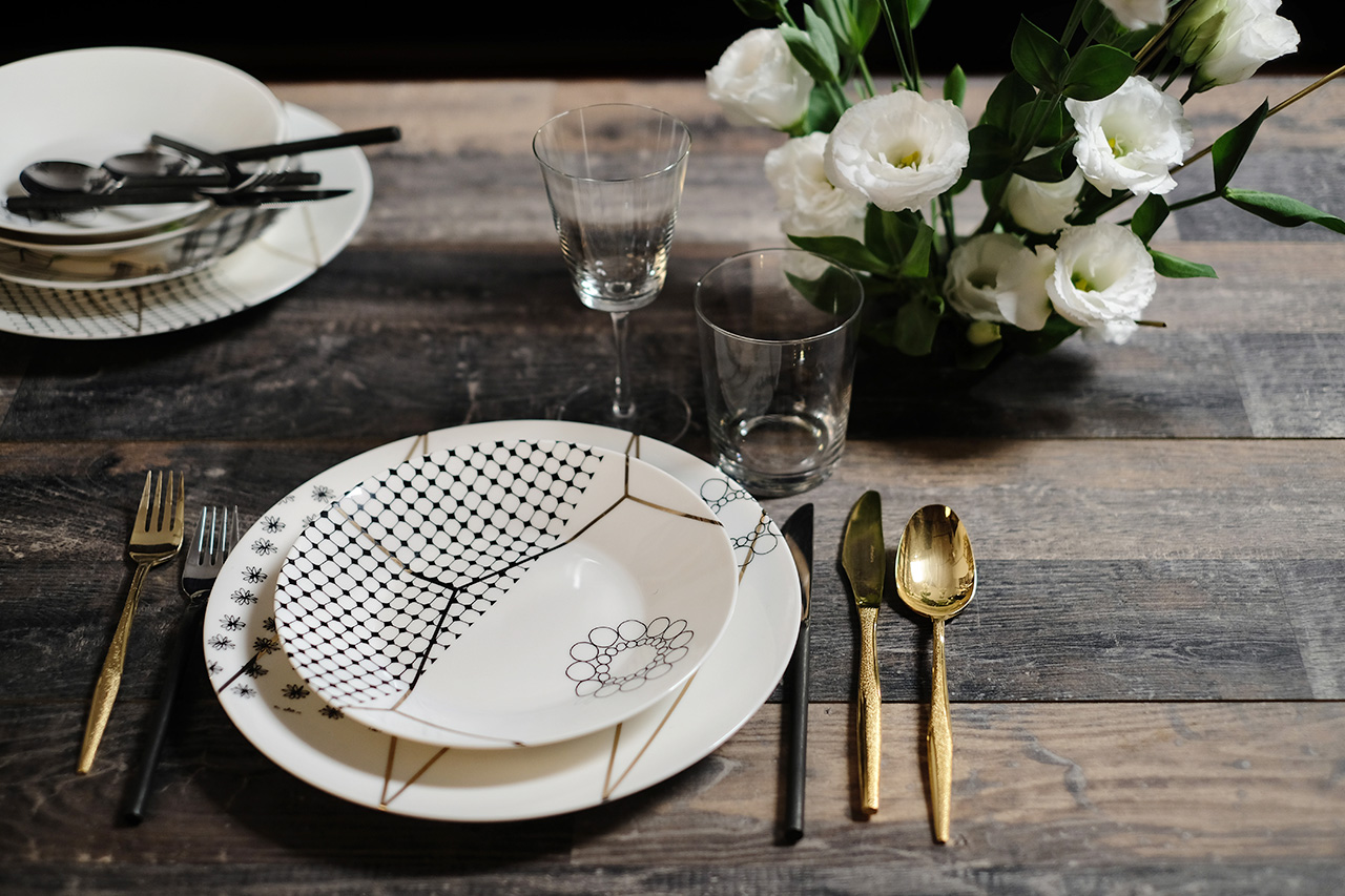Gold dinner set contemporary style